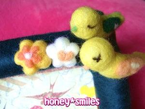 羊毛フェルトcuteアニマル honey*smiles-結婚記念日のフォトフレーム♪