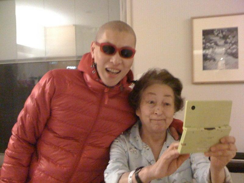 おまけ道@琵琶湖畔で実家生活♪ポテチンっ♪-健ちゃんとママ