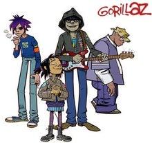 Noodle (ヌードル)左から2番目(ギター、大阪出身の日本人女性、1990年10月31日生まれ)