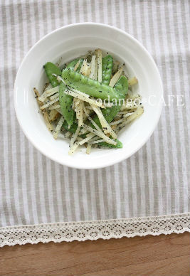みるまゆオフィシャルブログ「おだんごカフェ@体に優しいナチュラルレシピ」Powered by Ameba-じゃがいもときぬさやのシャキシャキ塩ごま和え