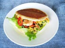 ソイコムの大豆粉 おいしい大豆で糖質制限食のレシピ ダイエットに、血糖値対策に。手作り大豆ケーキ・大豆パン・大豆パスタ -大豆ピタパンのサンドイッチ