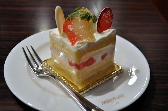 茶々吉とデジ一 のんびり旅-120520_グレープフルーツショートケーキ