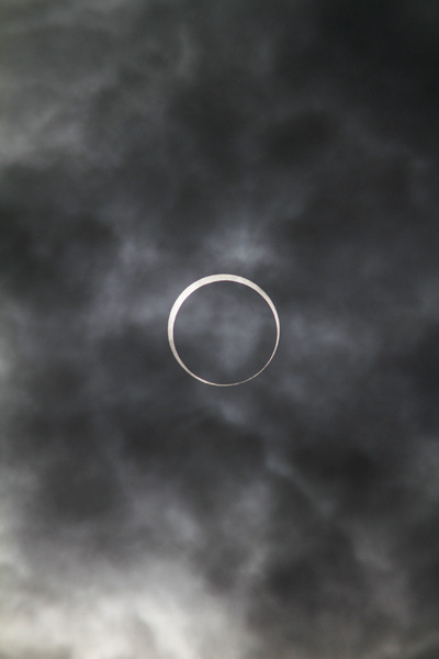 $撮るのも、見るのも、撮られるのも。写真は楽しい。-金環日食5/21