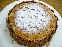 たっくんのブログ-アーモンドケーキ10