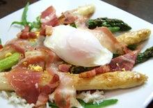 食べて飲んで観て読んだコト+レストラン・カザマ-ホワイトアスパラのサラダ・リヨネーズ