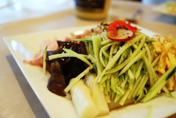 食べて飲んで観て読んだコト+レストラン・カザマ-冷やし中華