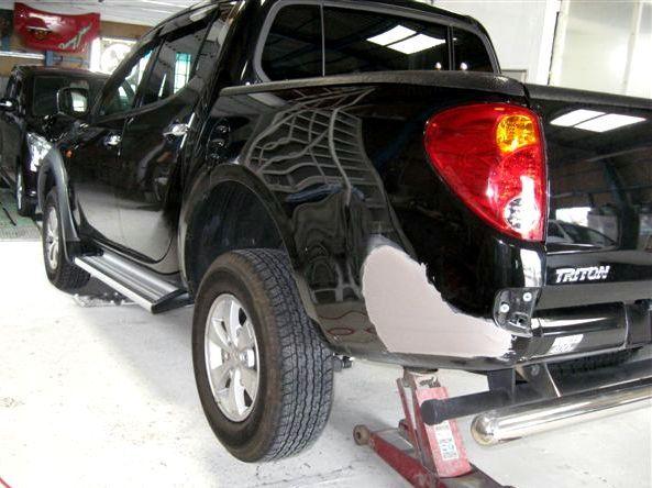京都の女職人が書く車のブログ☆★-トライトン 修理