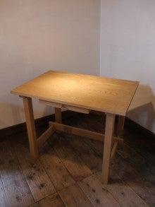 100年使う 無垢のオーダー家具をつくる! 長野市善光寺界隈 家具屋店主 善五郎 無垢の家具と、アートギャッベのある暮らし。