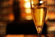 梅田産ハチミツを使ったイタリアングリルとワインの「bistro-bee」
