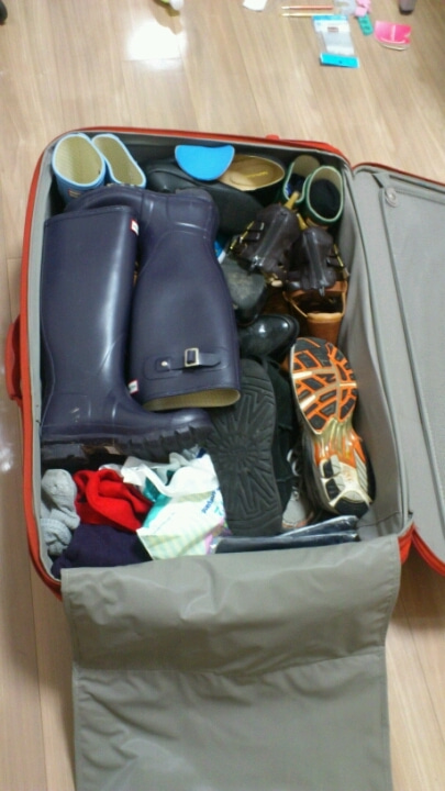 靴 スーツケース