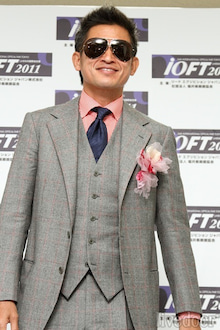 ファッション】Number表紙のカズこと三浦知良選手のスーツの残念