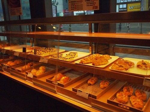 中国大連生活・観光旅行ニュース**-大連 FIKA BAKERY & CAFE