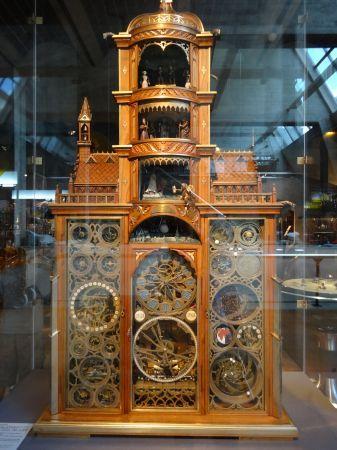 スイス、ラショードフォンの国際時計博物館 | オランダさんぽ ...