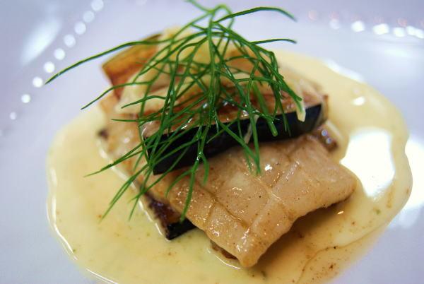 食べて飲んで観て読んだコト+レストラン・カザマ-真イカのポワレ