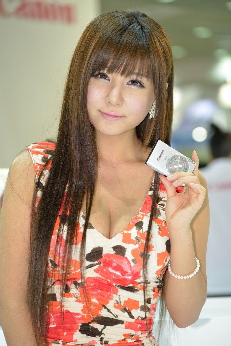 Ryu Ji Hye - Beautiful White Dress - I am an Asian Girl