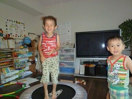 ☆Naomiの英語&日本語バイリンガルダイアリー☆-trampoline