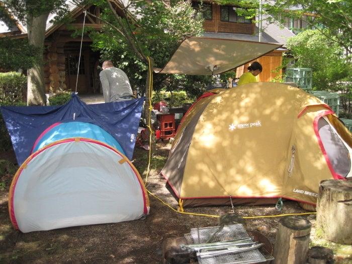 歩き人ふみの徒歩世界旅行 日本・台湾編-旅館の庭でテント