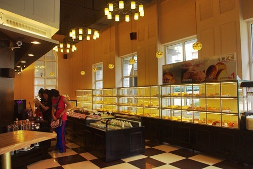 中国大連生活・観光旅行ニュース**-大連 Dounutes cafe