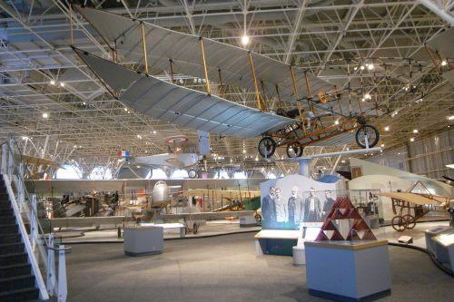 $トロントで出会った英単語を調べました。-national space and aviation museum