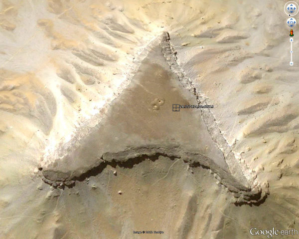 エジプトの新ピラミッド02
