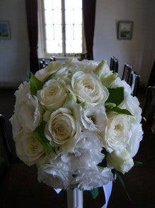 呼吸する様に花を仕入れ、取り合わせる。 花禅