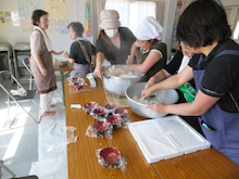 浄土宗災害復興福島事務所のブログ-20120909高久第1芋煮会11