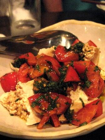椿の『B級ご当地グルメ保存委員会』-島豆腐とトマトのサラダ バルサミコ風味