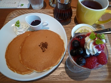 ☆Naomiの英語&日本語バイリンガルダイアリー☆-pancakes @ hakata