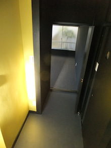 池袋の小さい不動産屋さん-大洋荘・後廊下