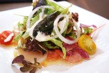 食べて飲んで観て読んだコト+レストラン・カザマ-サラダ