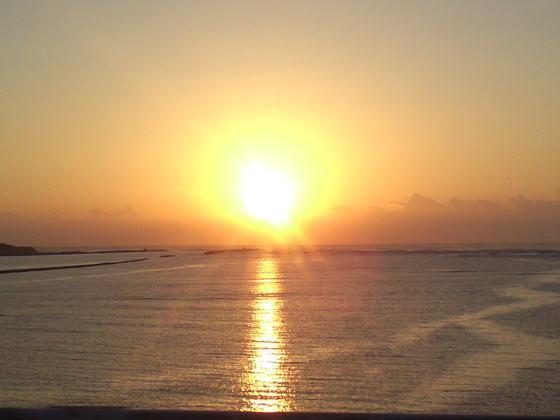 はすのやにっき-日向灘よりのぼる太陽