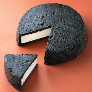 まっ黒チーズ