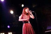 $大阪でボイトレならココ!歌手デビューの道をサポート♪