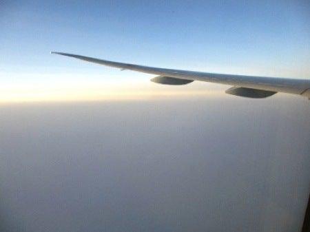 $すずきの通信-飛行機の窓から1