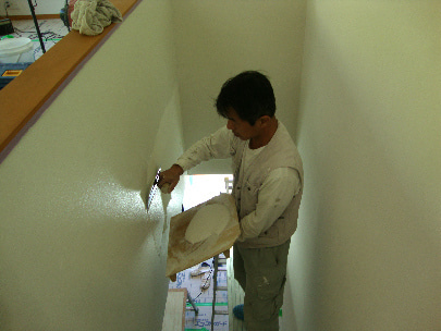 カフェの様に落ち着く・癒される部屋にリフォーム♪自然の珪藻土・漆喰で 塗り壁施工。-豊中・塗り壁塗り2