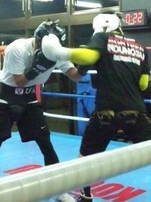18鴻巣ボクシングジム-121030_1945~02.jpg