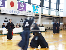 小田原剣道連盟blog-試合の模様(面返し胴を決めた小林亮一選手)