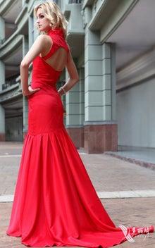 034b4c9d895e3 胸元の柄、方形みたい、ファッション感存分です 前 バック. この情熱のレッド袖付け結婚式パーテイードレスはアジアの御花嫁様にお勧めます ...