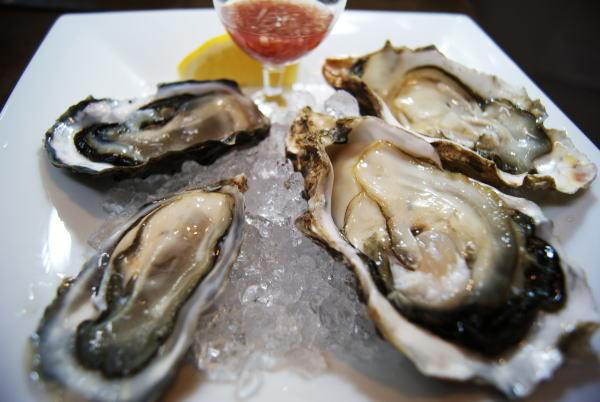 食べて飲んで観て読んだコト+レストラン・カザマ-サロマ産牡蠣