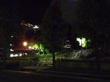 貴依子の部屋-夜の泉2