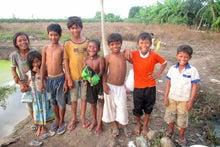 $カンボジア地雷原の村での挑戦