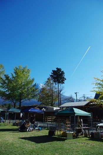 *カンボジアの綿クロマーと赤ちゃん帽子のお店*-富士山と飛行機雲