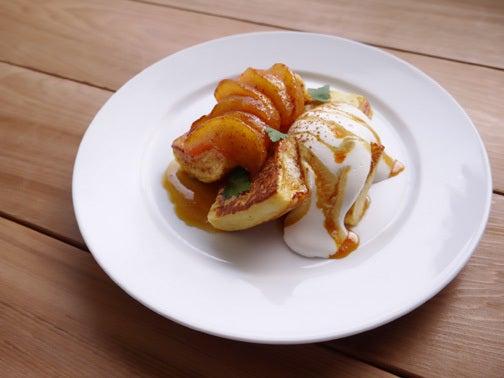 ひよこ食堂-りんごのキャラメリゼのせフレンチトースト01