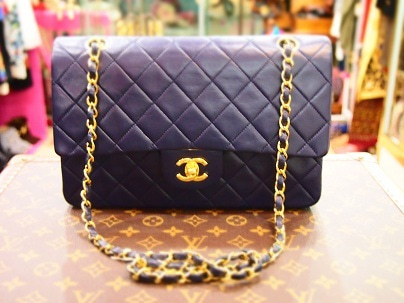e74a0fc589dc 12/16 New Arrival Vintage CHANEL Wフラップバッグ♡ネイビー | VINTAGE ...
