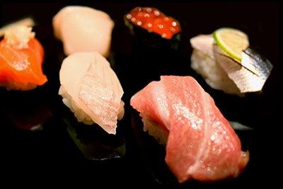 $北海道の魚介を直送の寿司店。堺筋本町駅徒歩1分 おたる栄六すし 大阪<br />-北海道 寿司