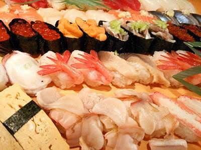 $北海道より直送の寿司。堺筋本町駅徒歩1分 おたる栄六すし 大阪<br />-五十貫 五千円