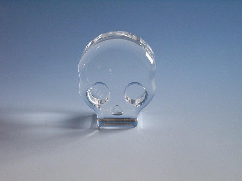 石英ガラスを迫力あるカタチに加工・ドクロ