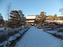 浄土宗災害復興福島事務所のブログ-20121227ふくスマ善光寺雪景色