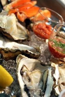 食べて飲んで観て読んだコト+レストラン・カザマ-殻付き牡蠣