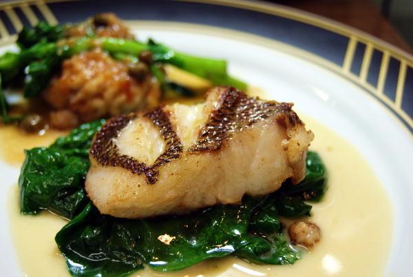食べて飲んで観て読んだコト+レストラン・カザマ-天然真鯛のポワレ